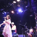 【LIVE】職業アイドルを貫くyoshimi、10周年記念単独公演で数々のバラードを熱唱。訪れた人たちの心に嬉し涙を落していった?!。